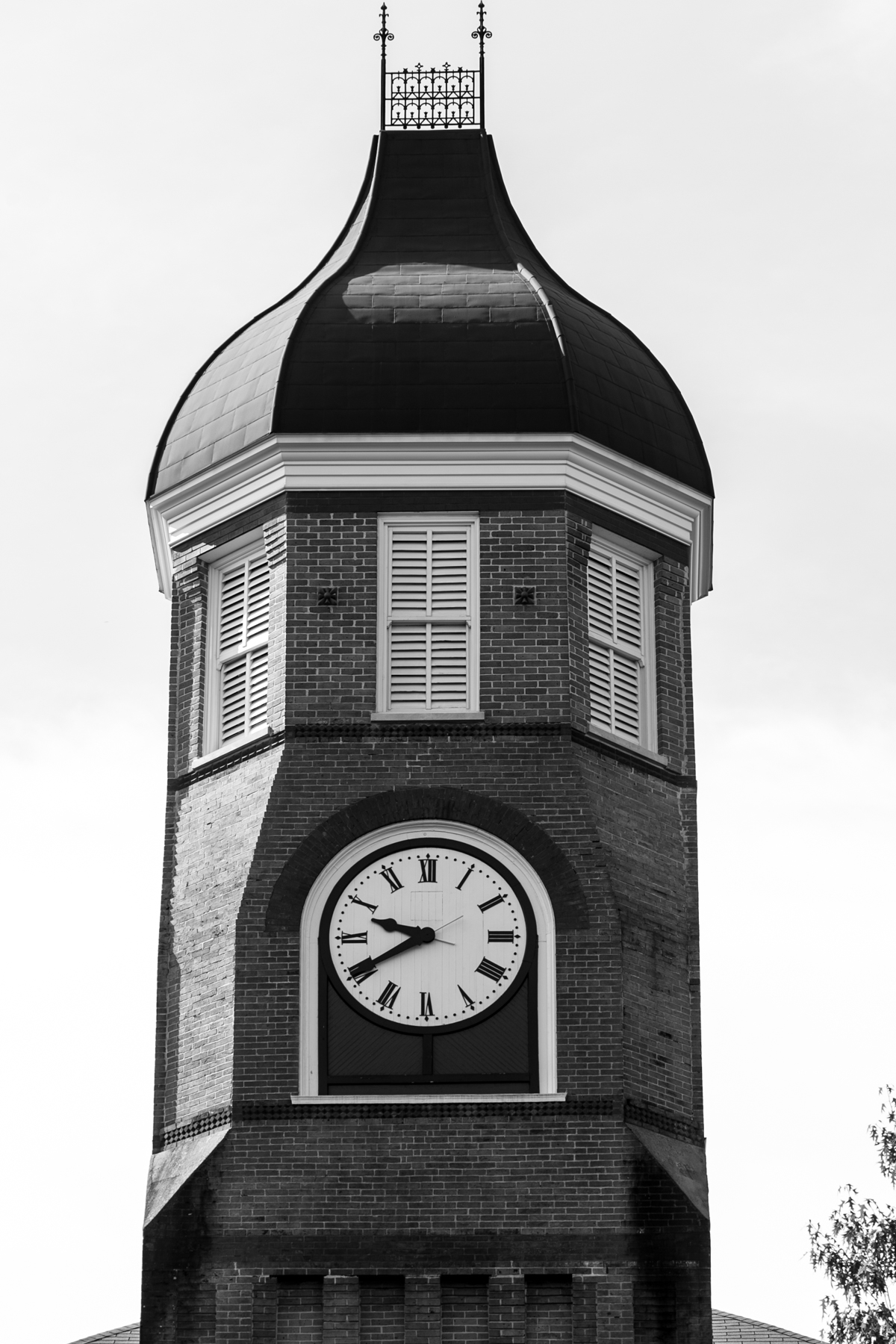 b/w clocktower