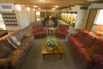Plymouth Bluff Lounge